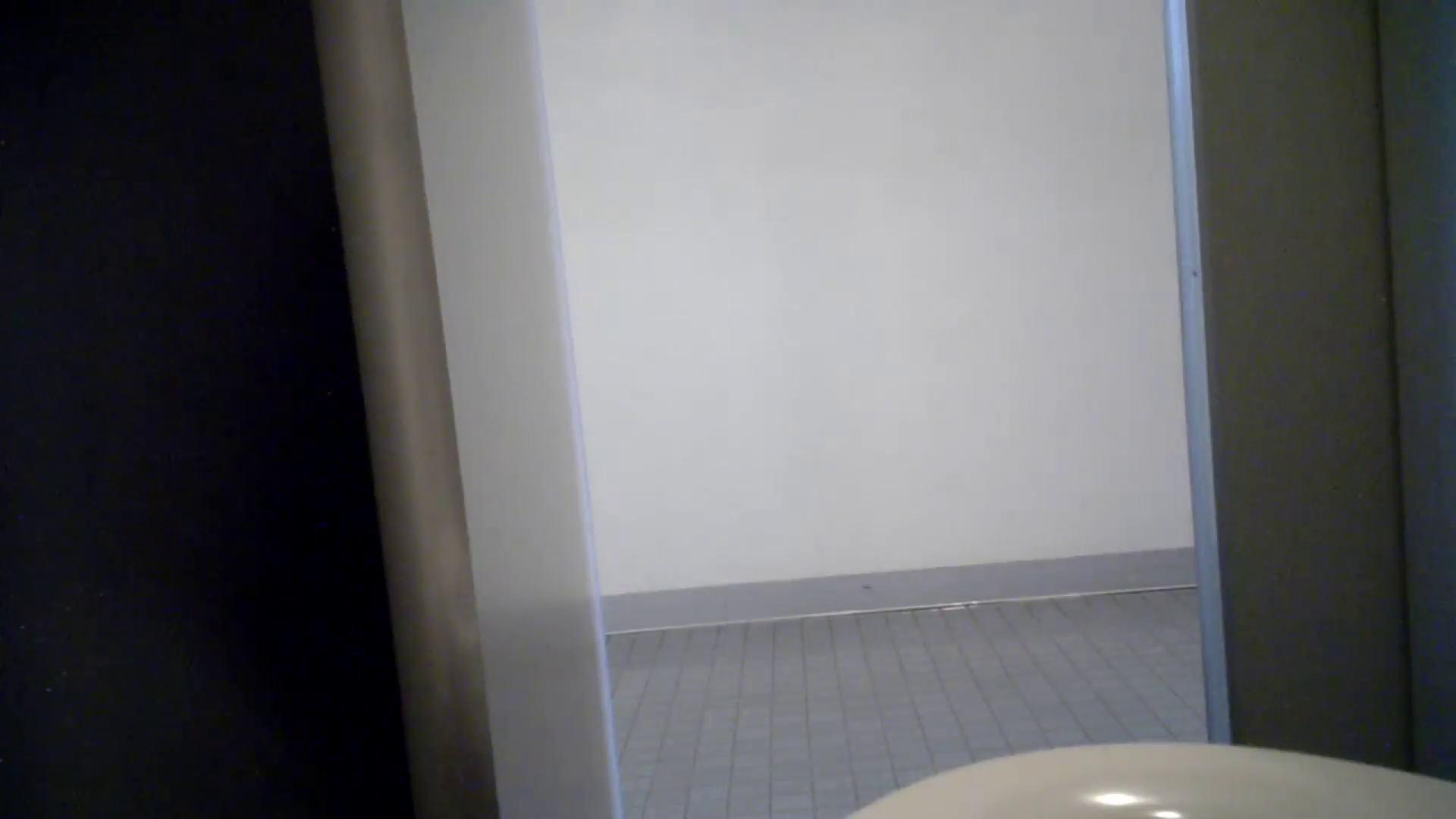 有名大学女性洗面所 vol.50 個室には3つの「目」があるみたいです。 和式で踏ん張り中 オメコ動画キャプチャ 94連発 71