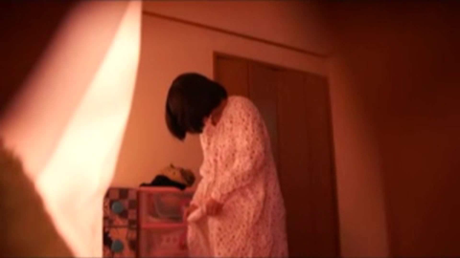 vol.2 まりこさんのお着替え、就寝前の映像です。 エッチすぎるOL達  29連発 4