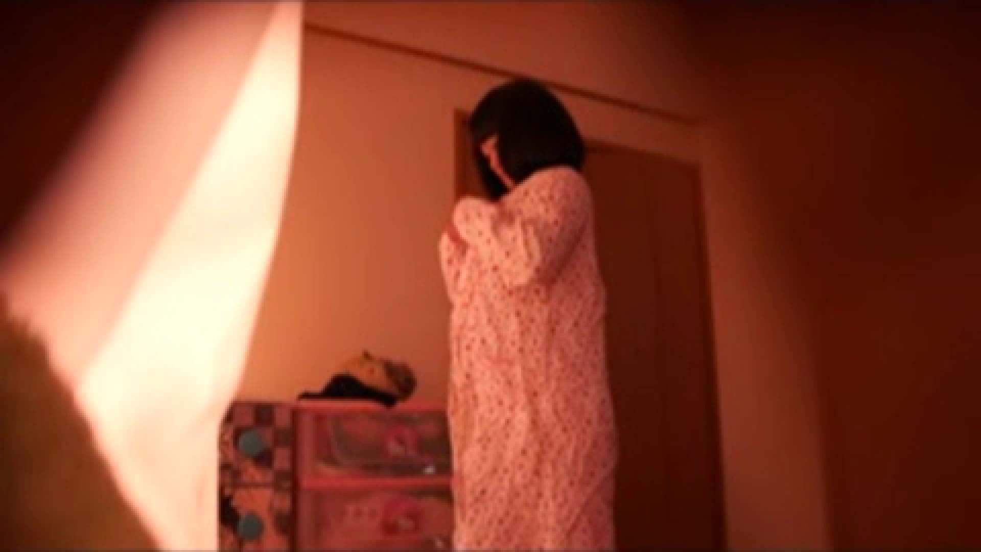vol.2 まりこさんのお着替え、就寝前の映像です。 エッチすぎるOL達  29連発 10