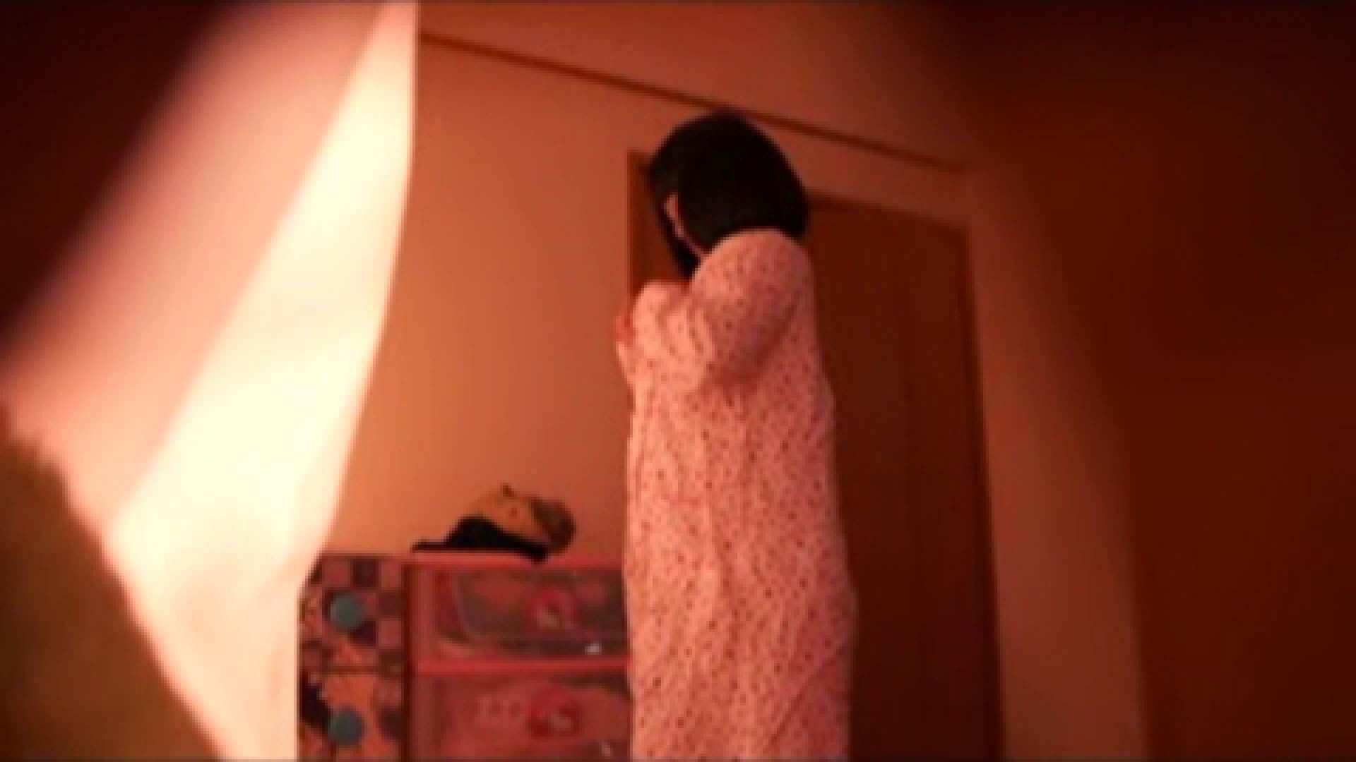 vol.2 まりこさんのお着替え、就寝前の映像です。 エッチすぎるOL達  29連発 12