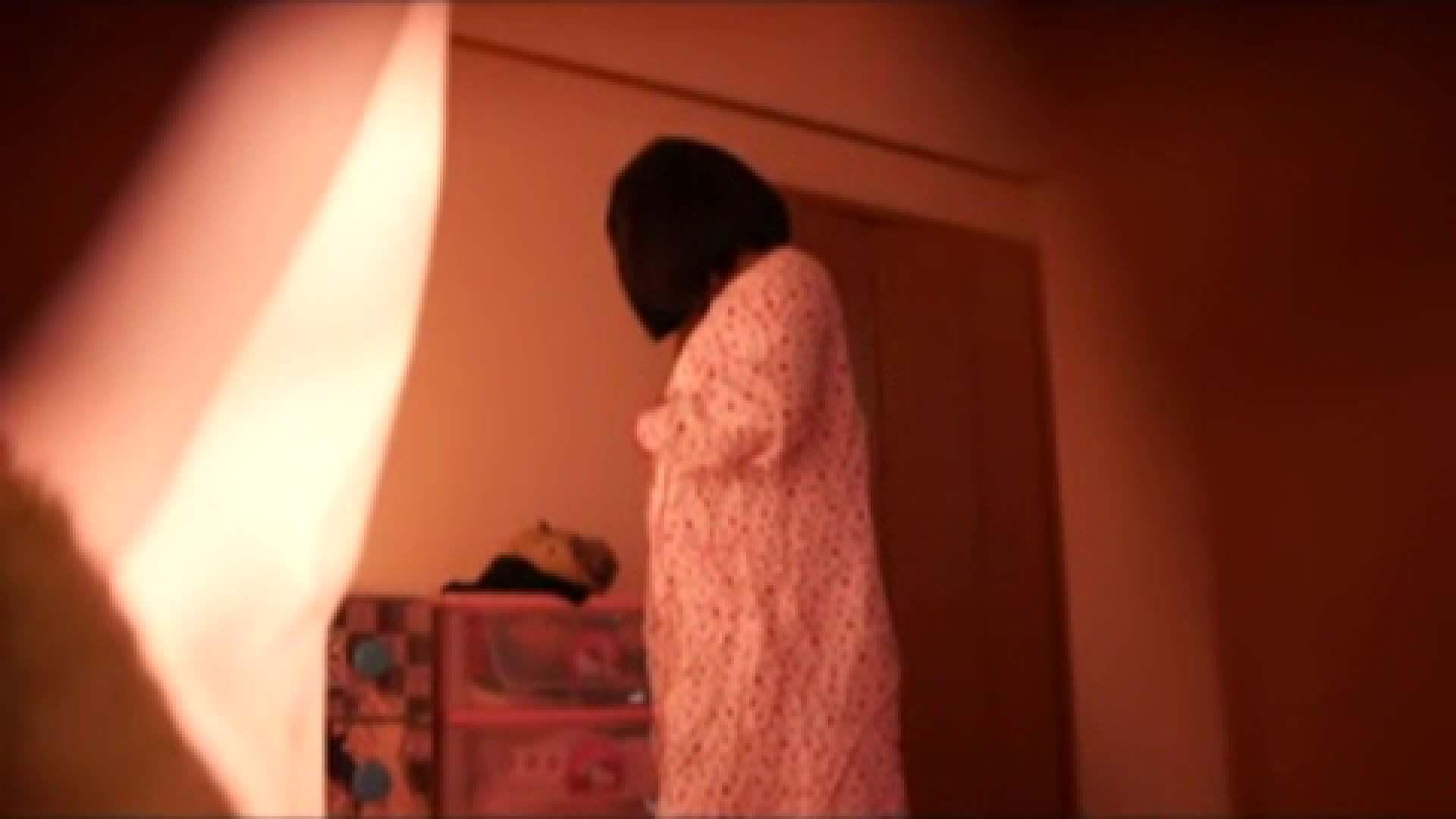 vol.2 まりこさんのお着替え、就寝前の映像です。 エッチすぎるOL達  29連発 14