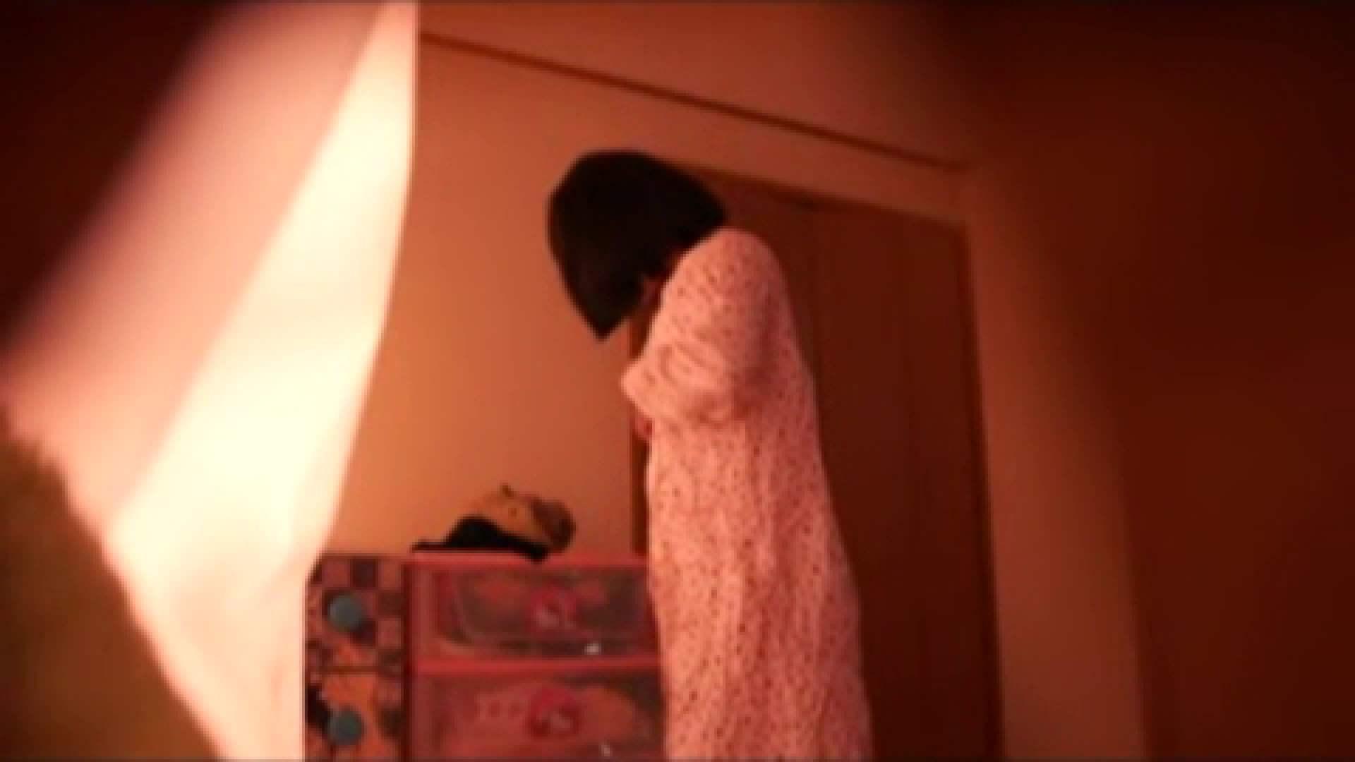 おまんこ丸見え:vol.2 まりこさんのお着替え、就寝前の映像です。:怪盗ジョーカー