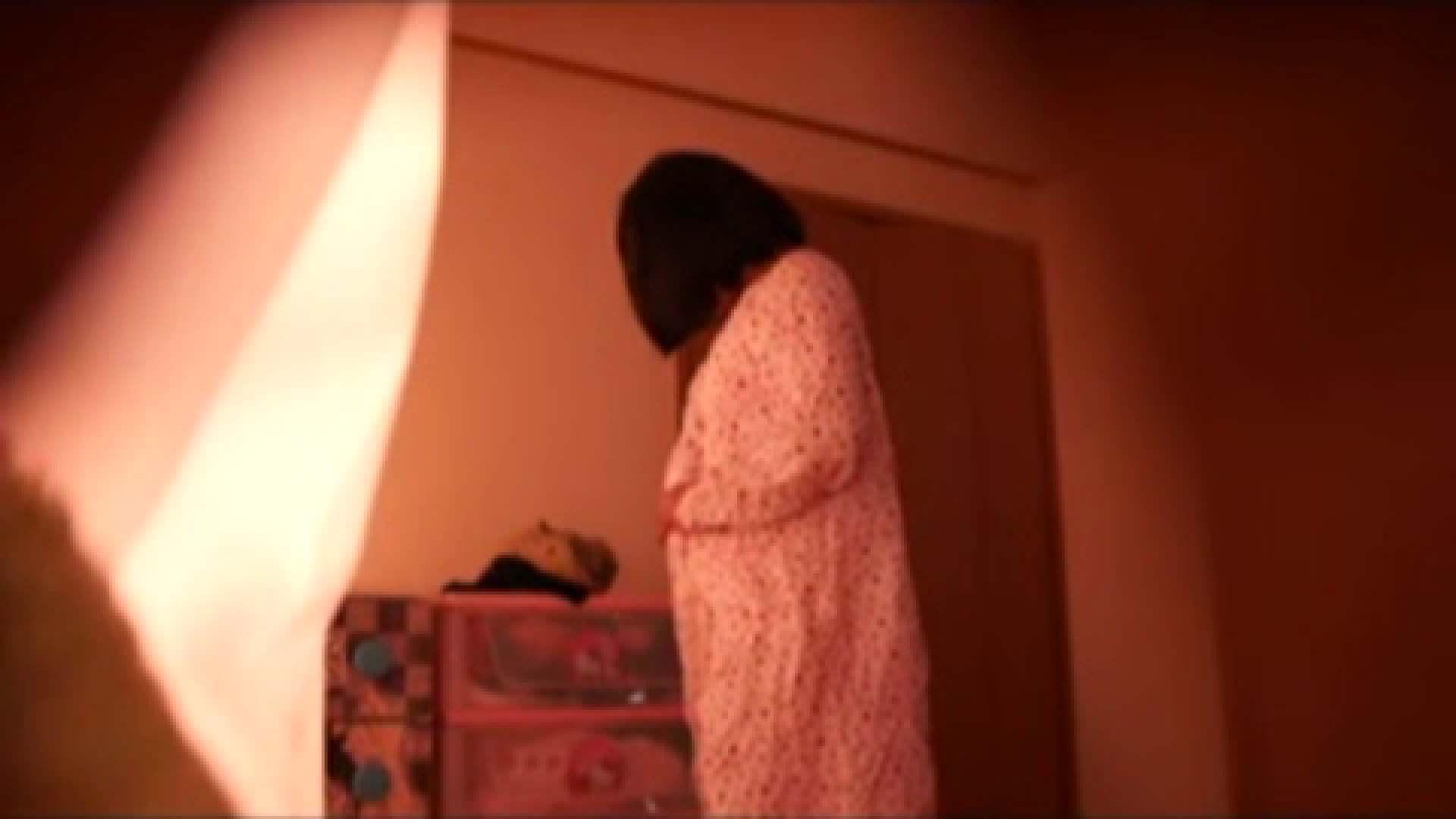 vol.2 まりこさんのお着替え、就寝前の映像です。 エッチすぎるOL達  29連発 22