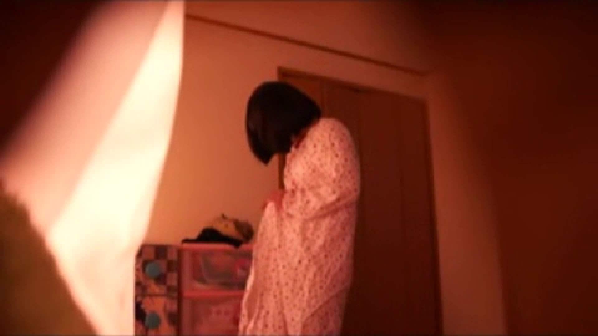 vol.2 まりこさんのお着替え、就寝前の映像です。 エッチすぎるOL達  29連発 28