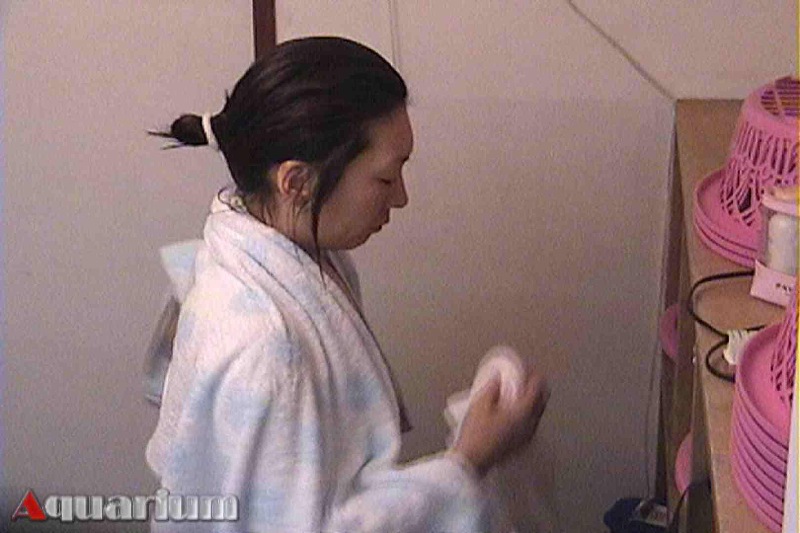 旅館脱衣所お着替え盗撮 Vol.03 脱衣所  97連発 72