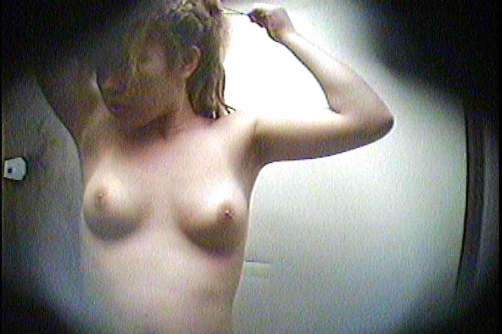 海の家の更衣室 Vol.21 エッチすぎる美女 隠し撮りオマンコ動画紹介 38連発 14