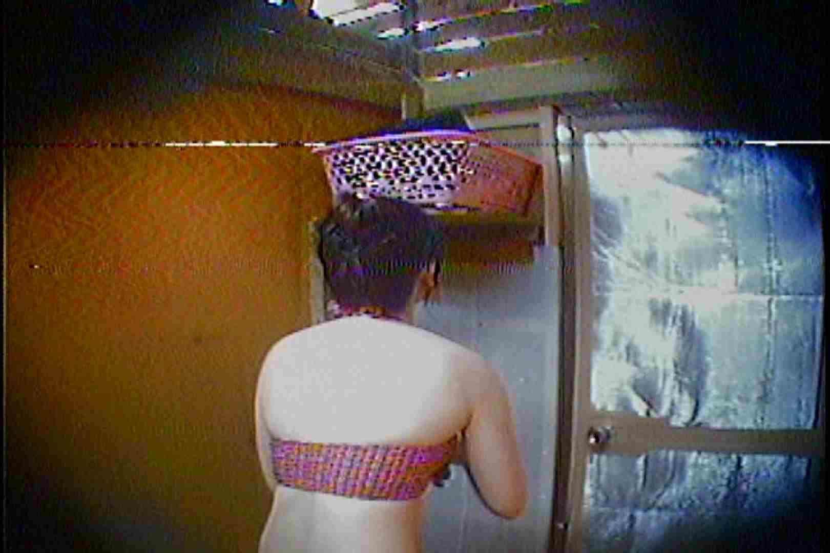 海の家の更衣室 Vol.37 シャワー 覗きおまんこ画像 75連発 11