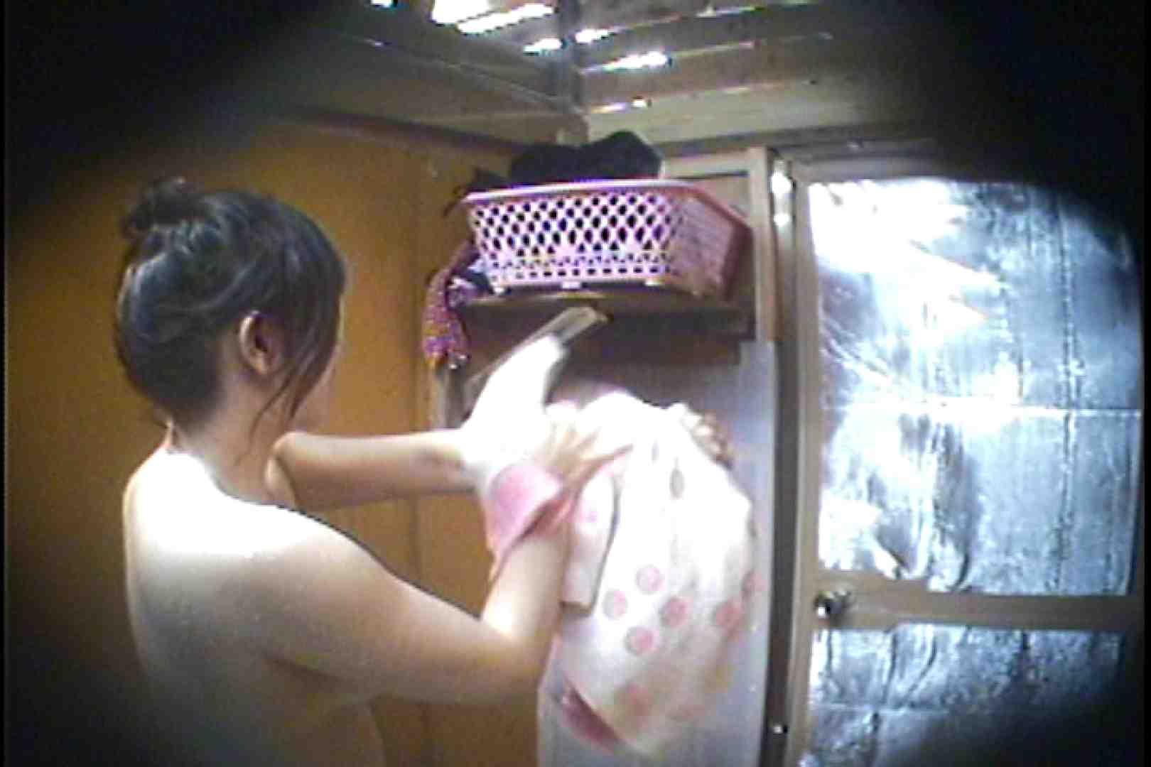 海の家の更衣室 Vol.37 シャワー 覗きおまんこ画像 75連発 35