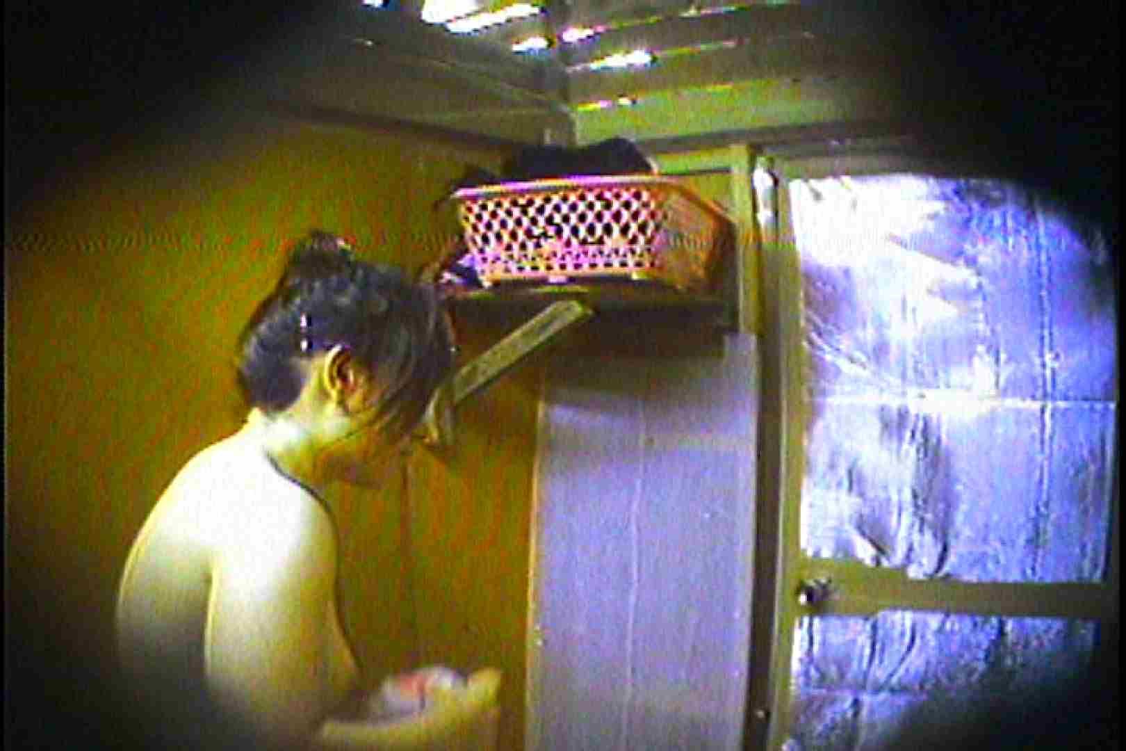 海の家の更衣室 Vol.37 シャワー 覗きおまんこ画像 75連発 38