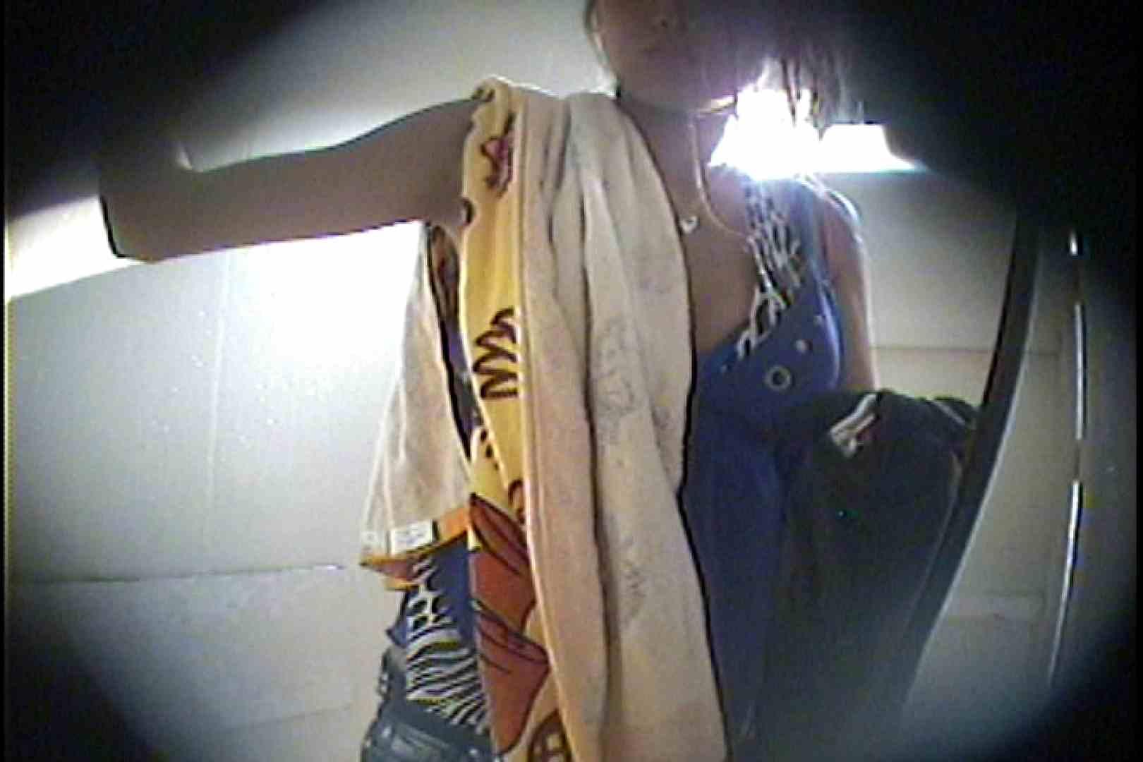 海の家の更衣室 Vol.43 エッチすぎる美女 ぱこり動画紹介 85連発 17