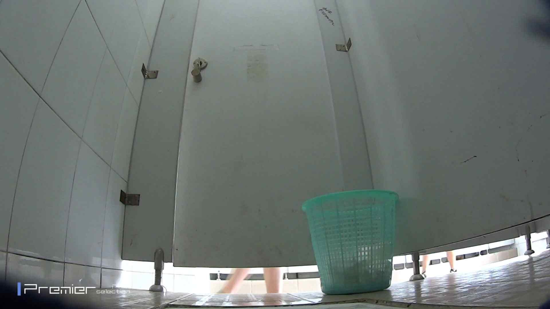 美しい女良たちのトイレ事情 有名大学休憩時間の洗面所事情06 盗撮映像大放出  80連発 35
