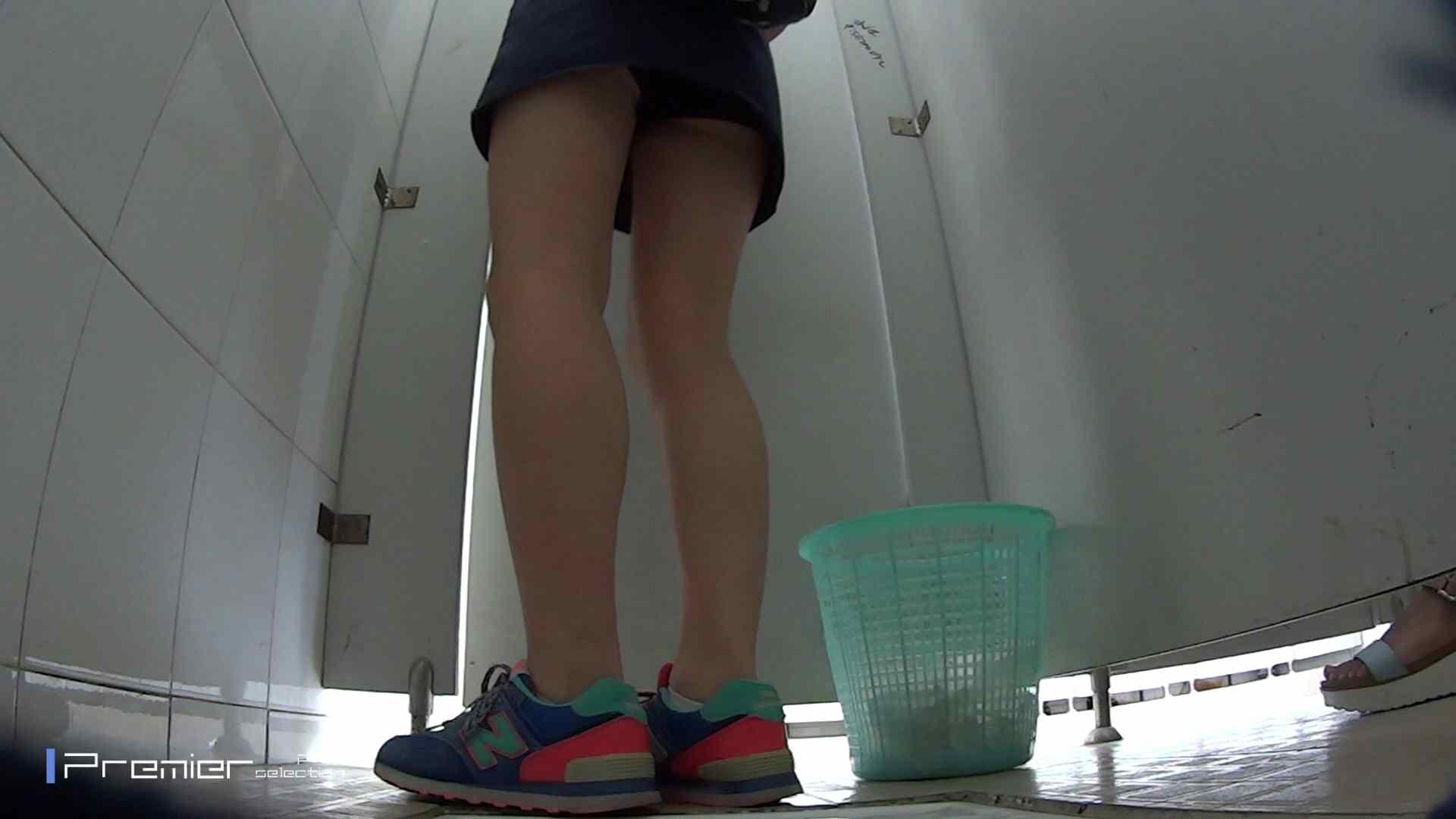 美しい女良たちのトイレ事情 有名大学休憩時間の洗面所事情06 盗撮映像大放出 | エッチすぎるお姉さん  80連発 36