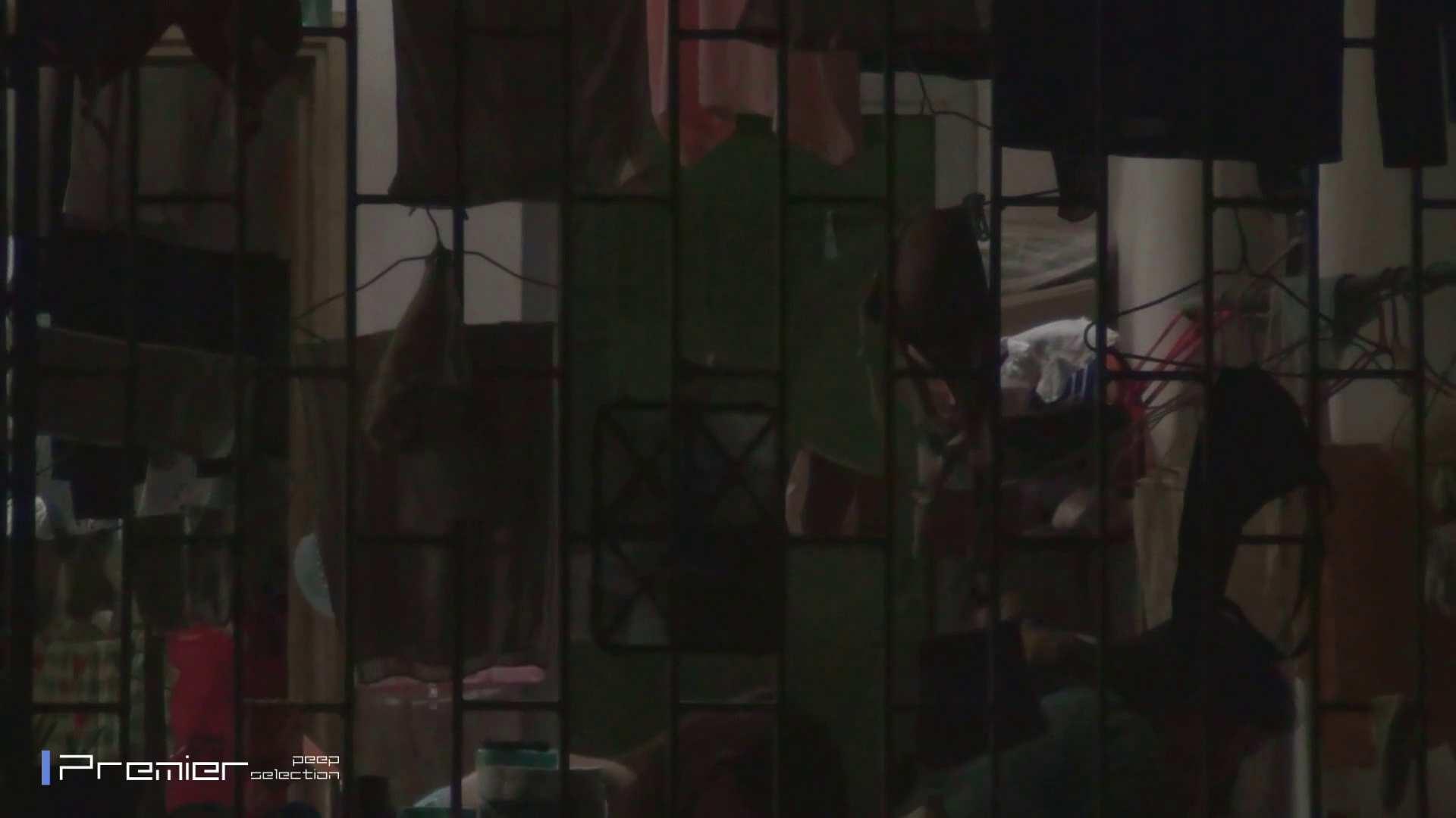美女の痴態に密着!洗濯物を干す女 Vol.07 エッチすぎる美女 オマンコ無修正動画無料 30連発 5