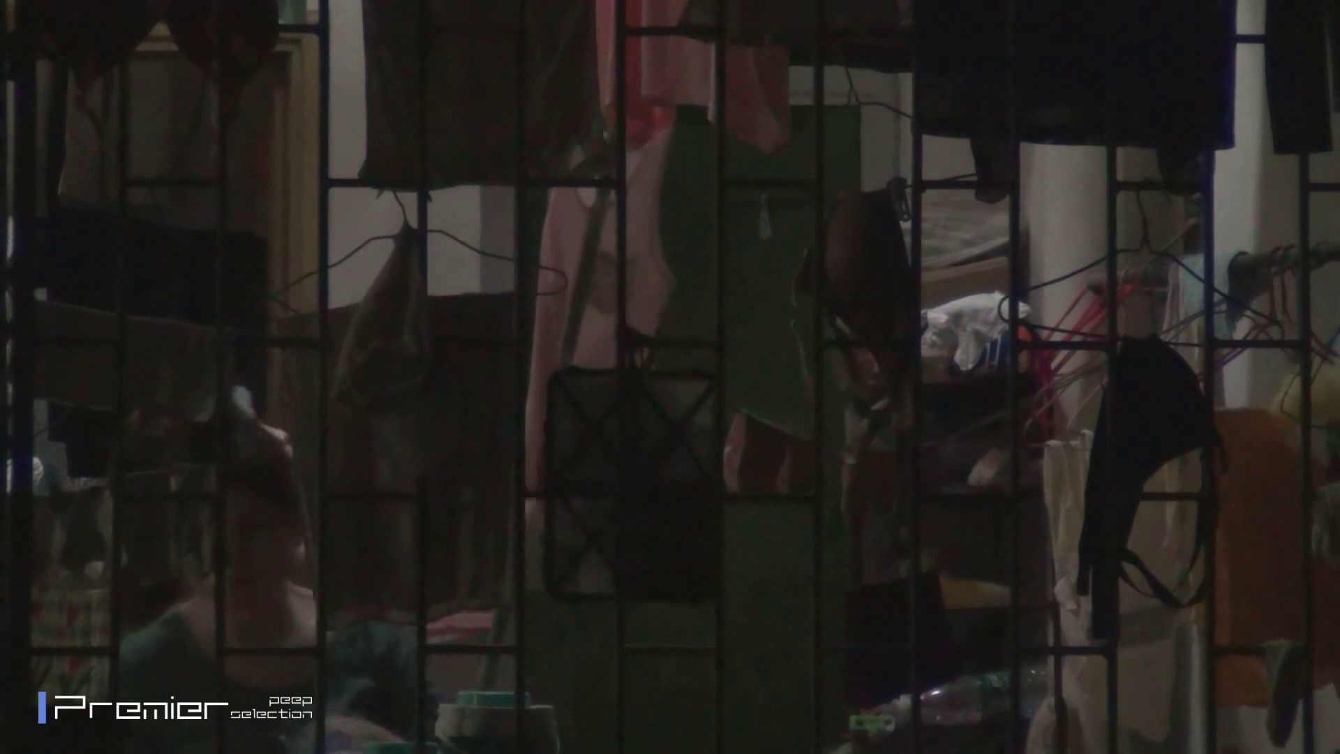 美女の痴態に密着!洗濯物を干す女 Vol.07 エッチすぎる美女 オマンコ無修正動画無料 30連発 19