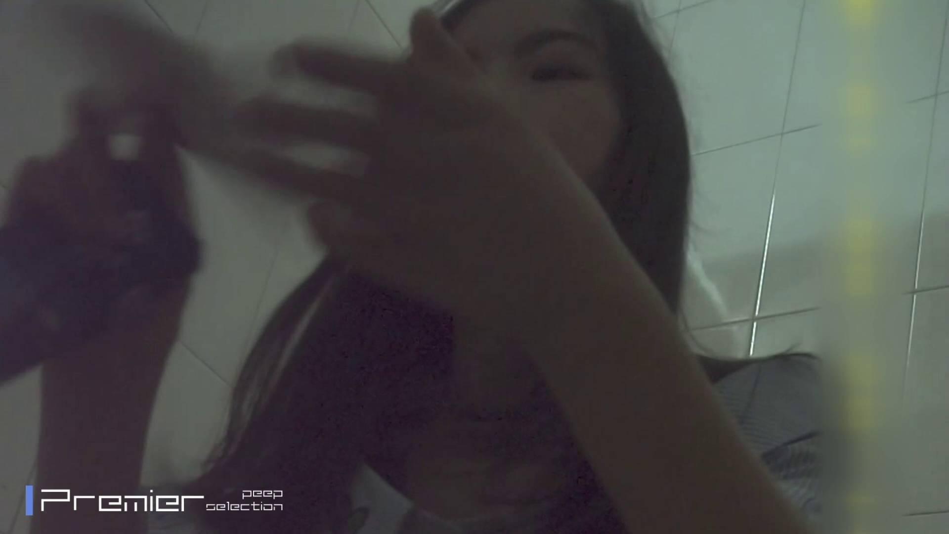トイレシーンを密着盗撮!! 美女の痴態に密着!Vol.31 パンチラ オマンコ無修正動画無料 22連発 14