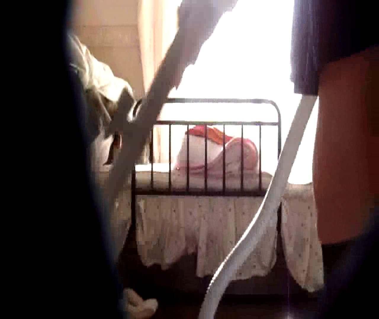vol.3 まどかがパンツを見せながら部屋掃除、洗面所も少しどうぞ。 パンツ  75連発 9