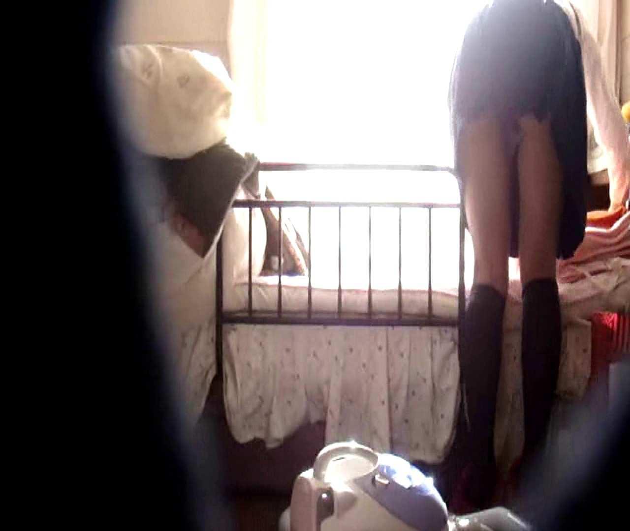 vol.3 まどかがパンツを見せながら部屋掃除、洗面所も少しどうぞ。 パンツ   洗面所  75連発 19