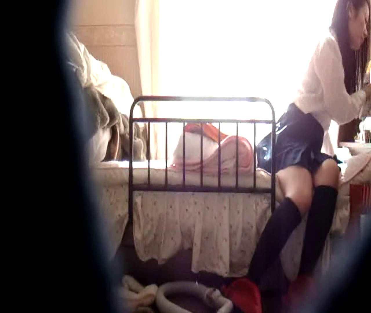 vol.3 まどかがパンツを見せながら部屋掃除、洗面所も少しどうぞ。 パンツ   洗面所  75連発 67