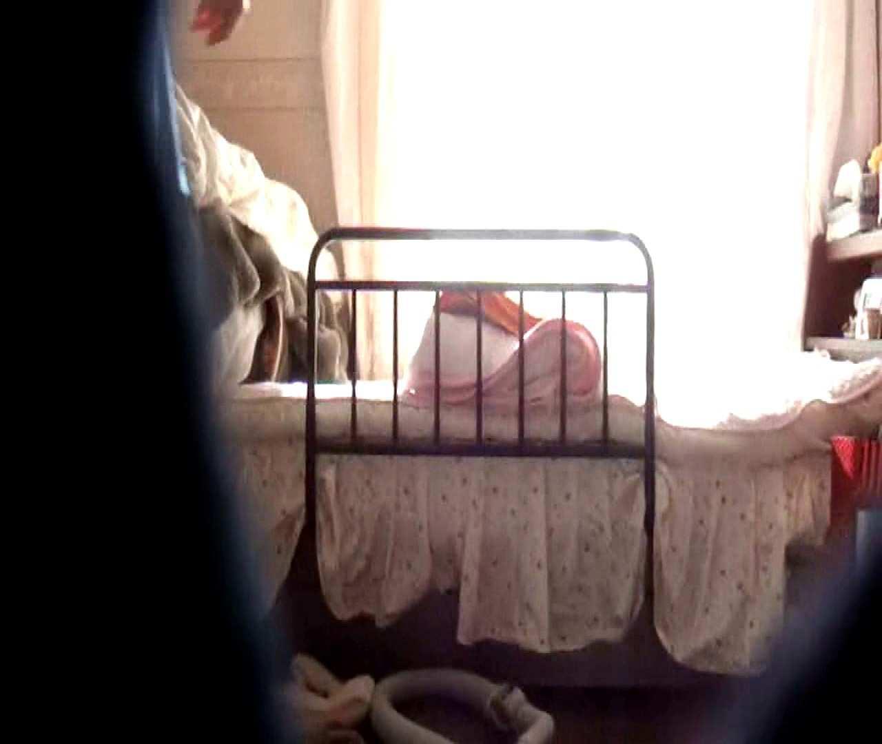 vol.3 まどかがパンツを見せながら部屋掃除、洗面所も少しどうぞ。 パンツ  75連発 69