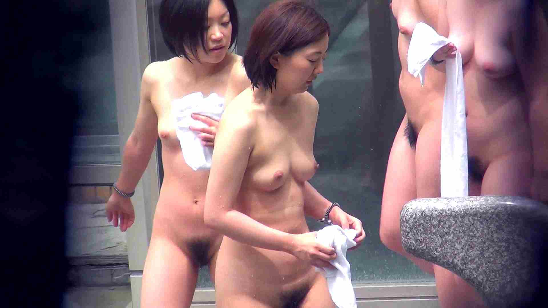 Vol.46 四人女子会にムッチリ美女発見! 露天投稿作品   エッチすぎるOL達  15連発 1