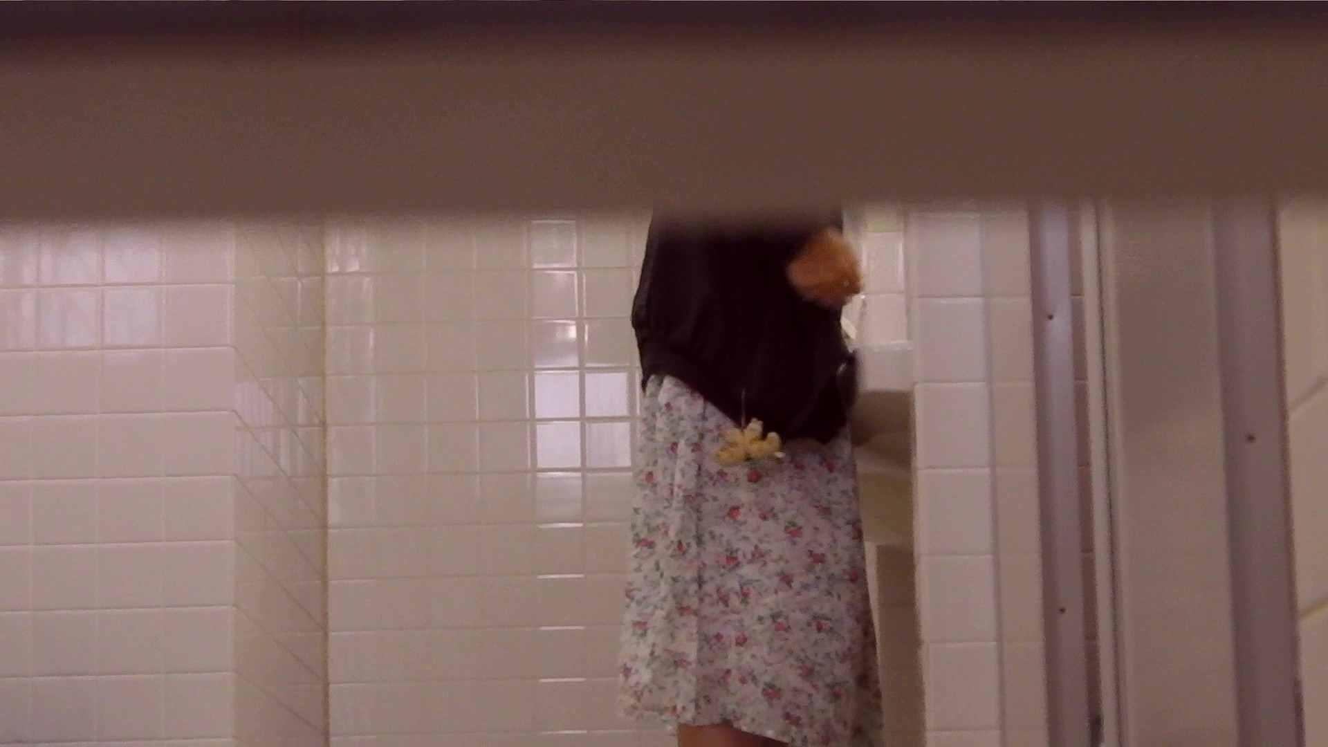 お銀さんの「洗面所突入レポート!!」Nol.14 エッチすぎるOL達 のぞき動画画像 89連発 44