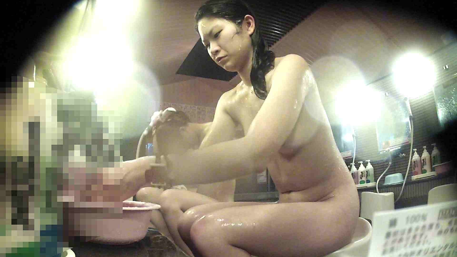 洗い場!お股の洗い方に好感が持てるお嬢さん エロくん潜入  75連発 32