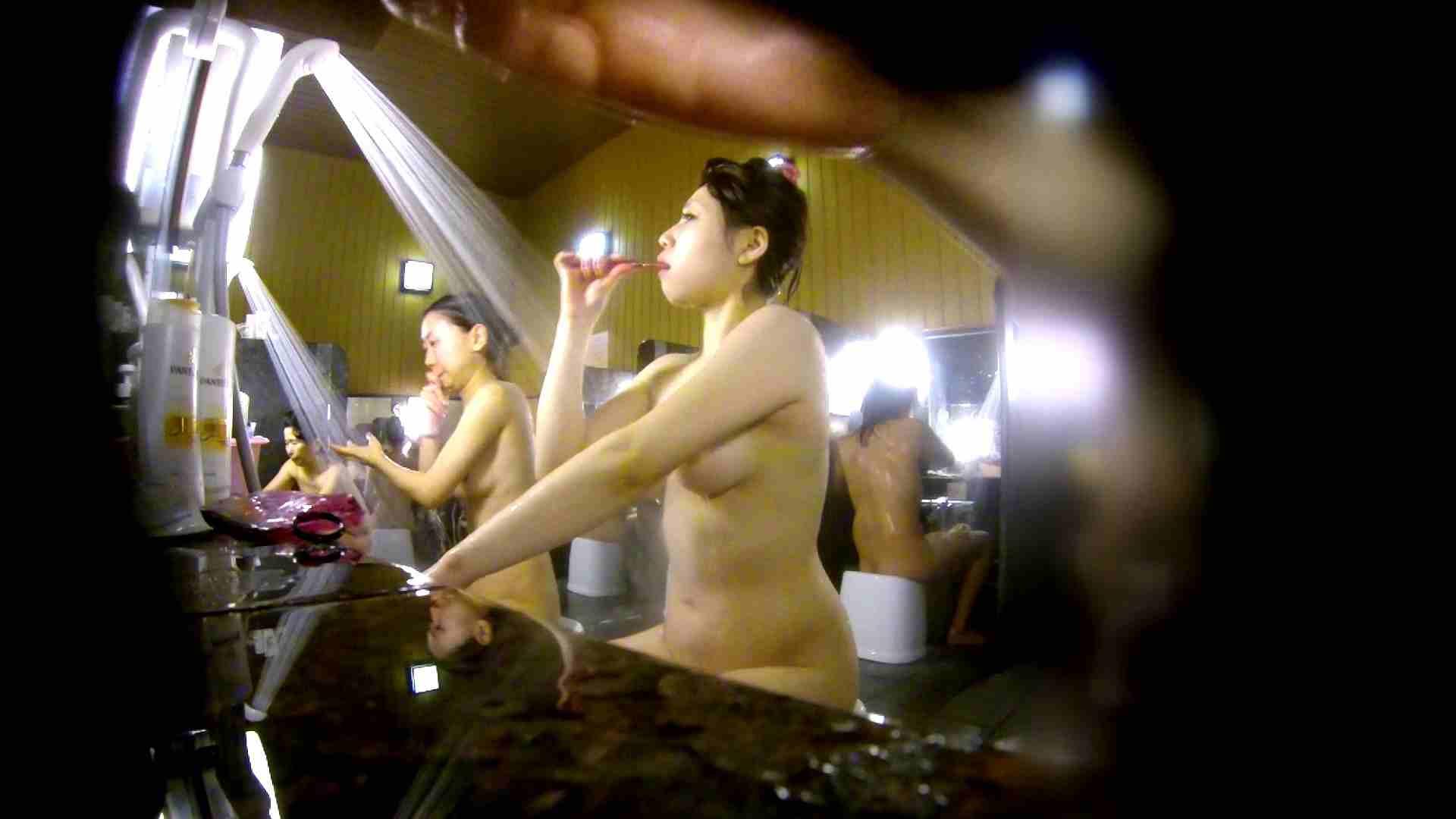 洗い場!柔らかそうな身体は良いけど、歯磨きが下品です。 銭湯特撮 | エロくん潜入  39連発 3