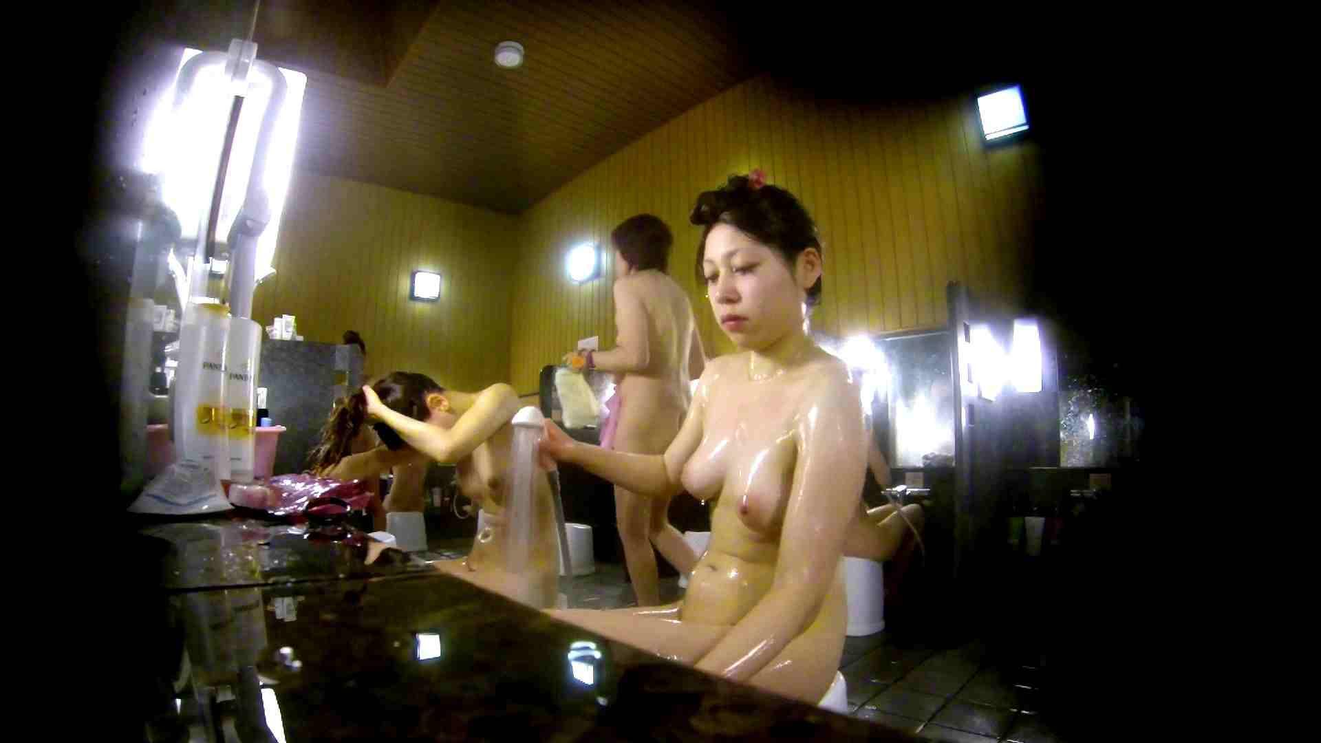 洗い場!柔らかそうな身体は良いけど、歯磨きが下品です。 銭湯特撮  39連発 4