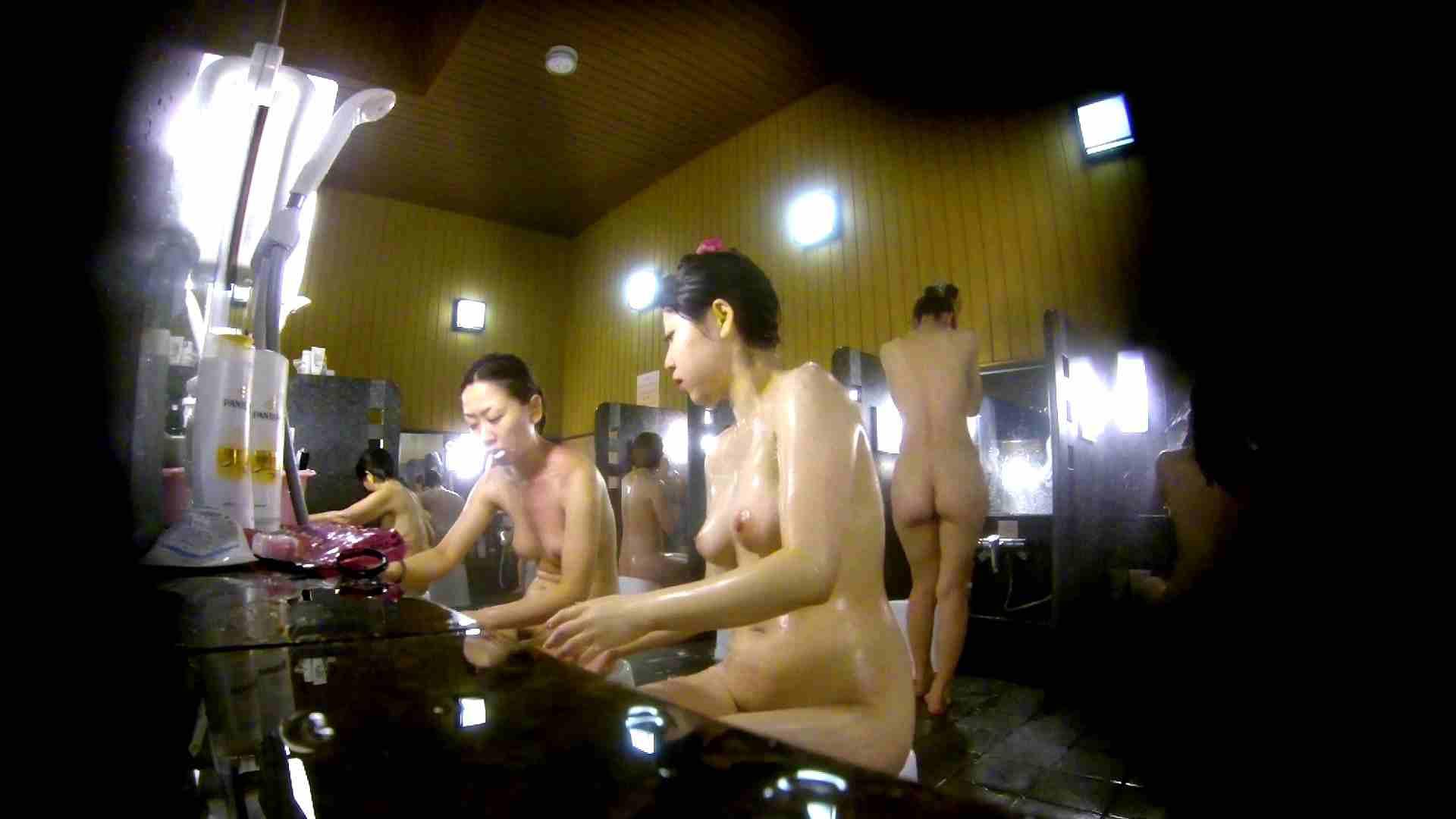 洗い場!柔らかそうな身体は良いけど、歯磨きが下品です。 銭湯特撮  39連発 20