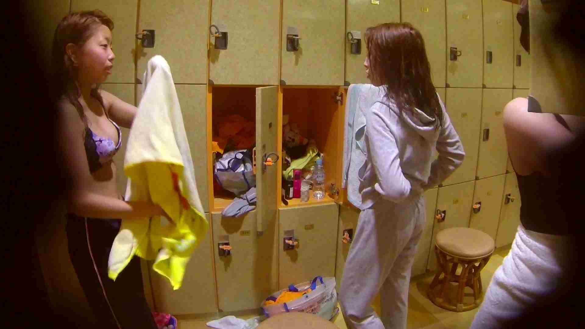 追い撮り!脱衣~洗い場、そして着替え、髪を乾かすまで完全追跡。 追跡 ワレメ動画紹介 63連発 59