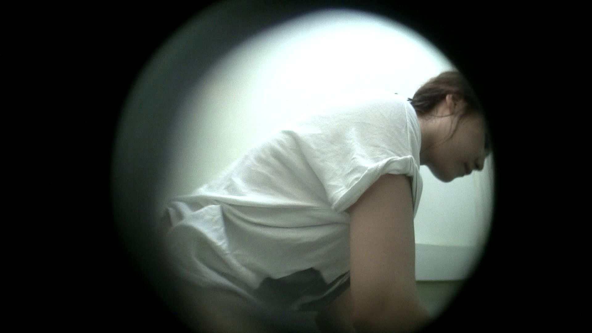 NO.26 可愛い顔してきわどい下着 シャワー室 | シャワー  32連発 31