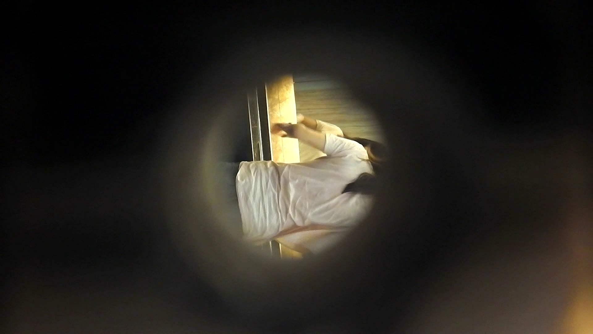 阿国ちゃんの「和式洋式七変化」No.5 和式で踏ん張り中   洗面所  39連発 31