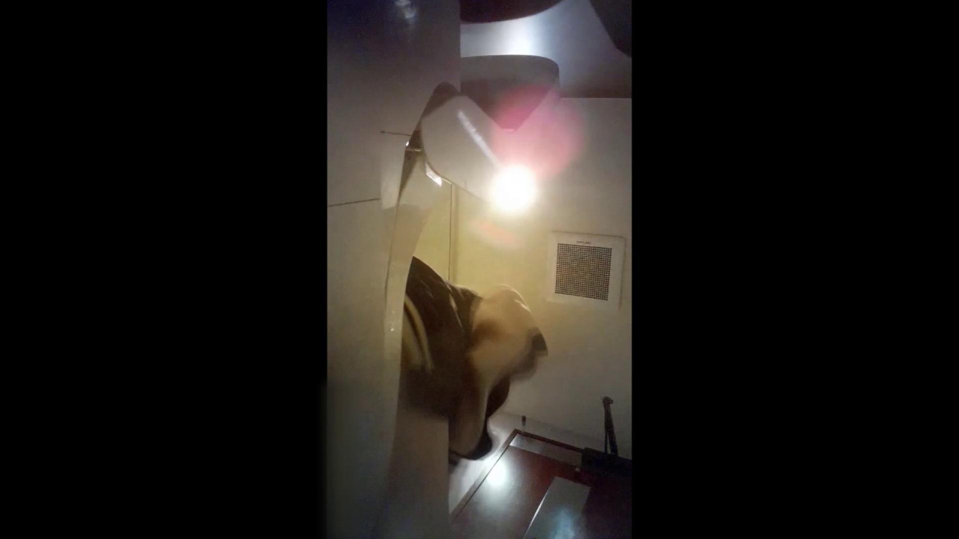 高画質トイレ盗撮vol.03 0 | 0  88連発 81