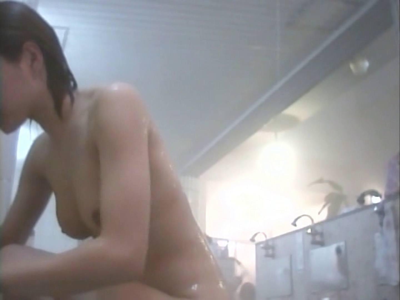 浴場潜入脱衣の瞬間!第二弾 vol.1 0  72連発 60