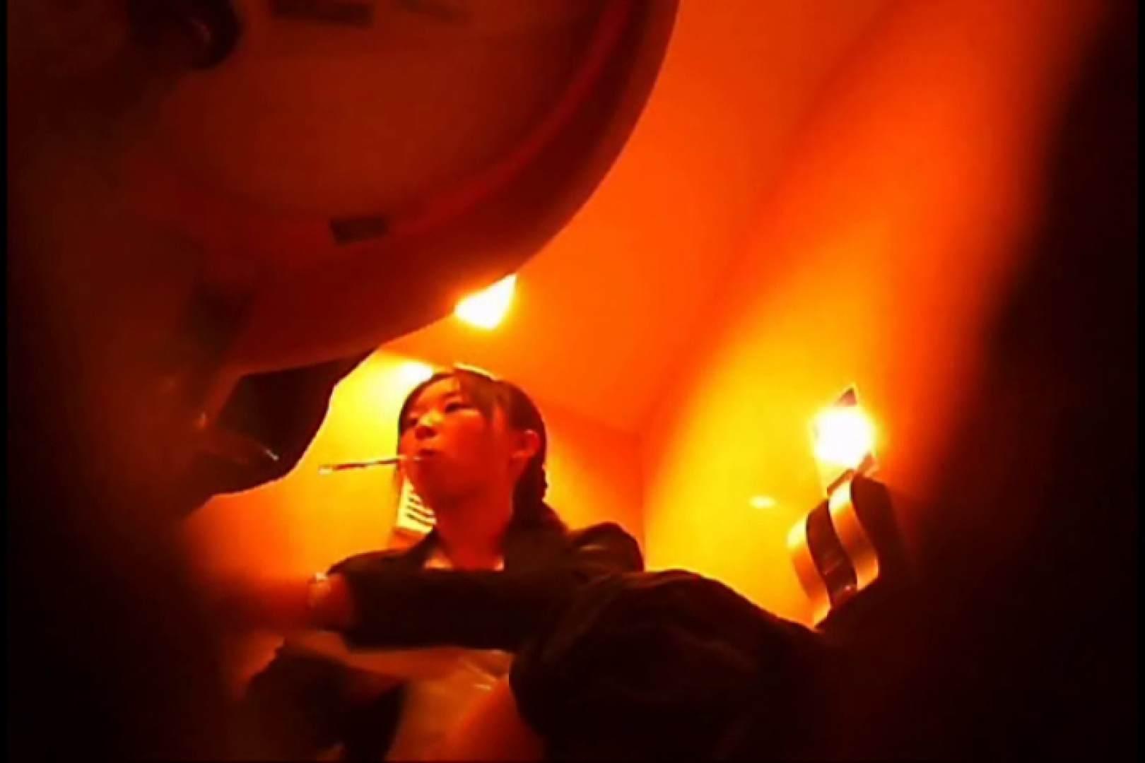 おまんこ丸見え:潜入!!女子化粧室盗撮~絶対見られたくない時間~vo,13:のぞき本舗 中村屋