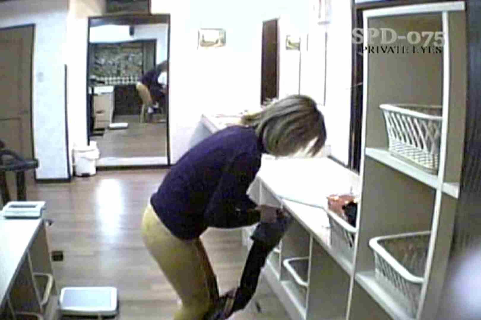 高画質版!SPD-075 脱衣所から洗面所まで 9カメ追跡盗撮 0   0  62連発 37
