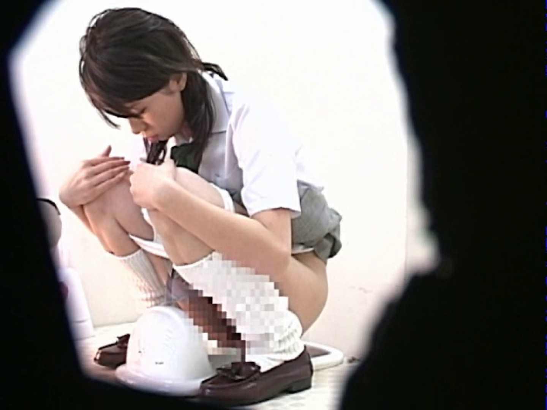 M字開脚制服女子を真下から盗撮! 0  103連発 2