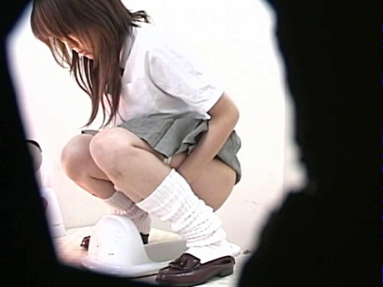 M字開脚制服女子を真下から盗撮! 0  103連発 66
