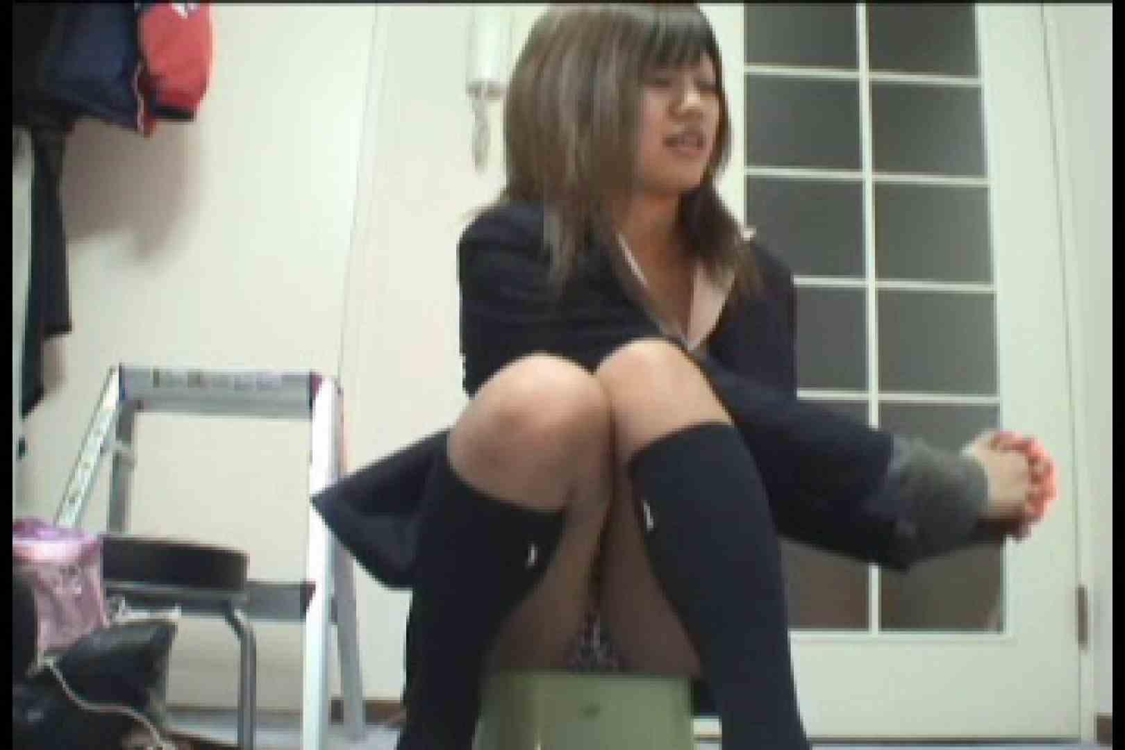 パンツ売りの女の子 れいなちゃんvol.1 丸出しマンコ おまんこ無修正動画無料 66連発 32