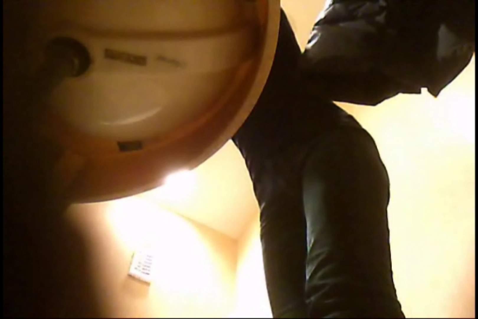 潜入!!女子化粧室盗撮~絶対見られたくない時間~vo,3 エロくん潜入 ワレメ動画紹介 96連発 82