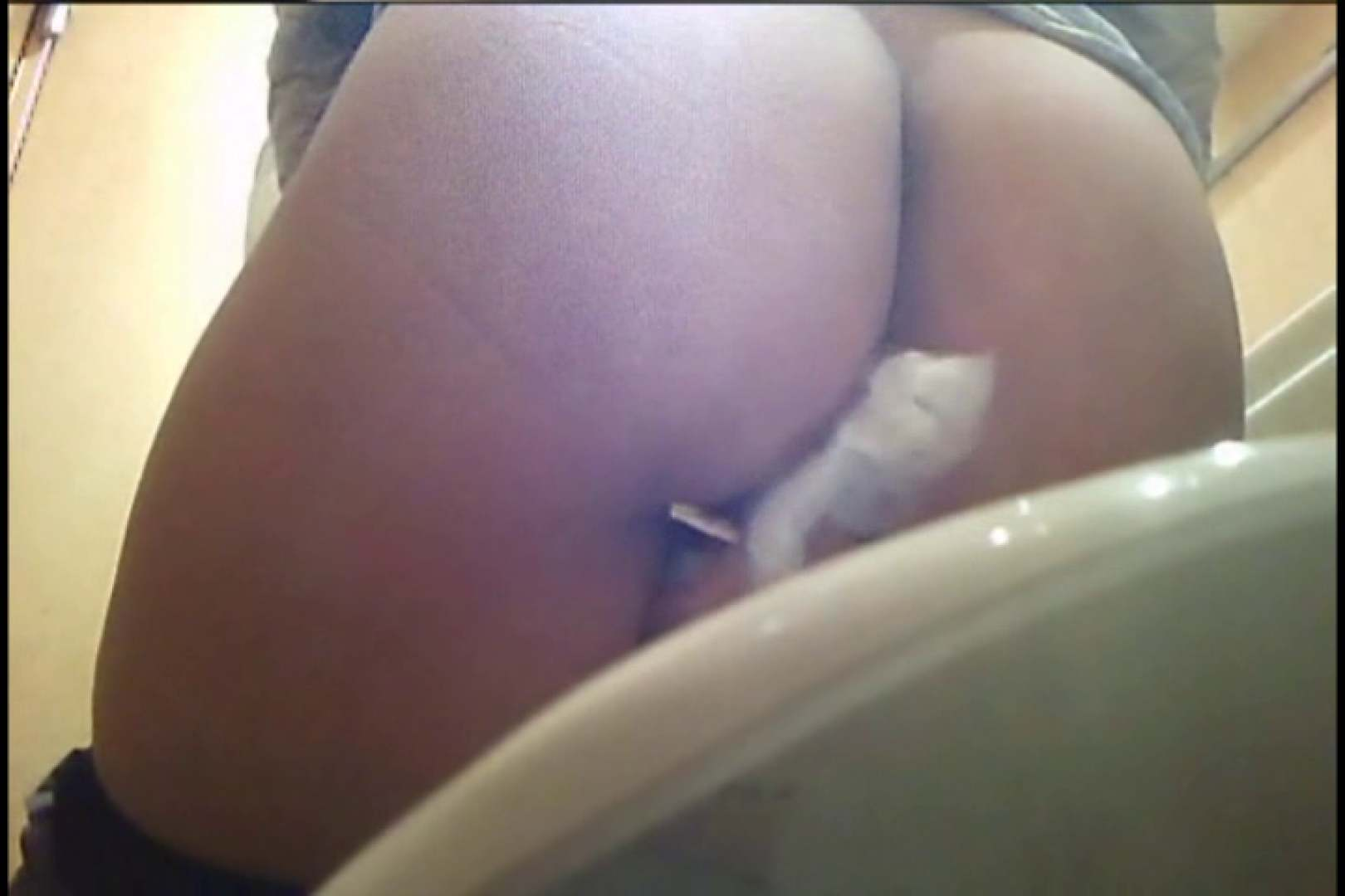 実録!熟女の用の足し方を覗く!! Vol.03 エッチすぎる熟女 ワレメ無修正動画無料 92連発 14